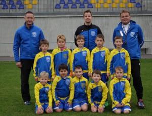 F-Jugend mit Trainer_2016